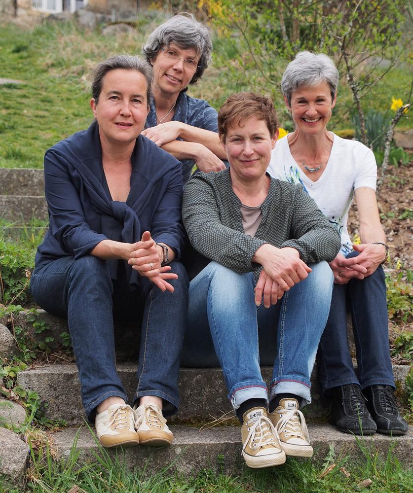 Gruppenbild der Kräuterpädagoginnen