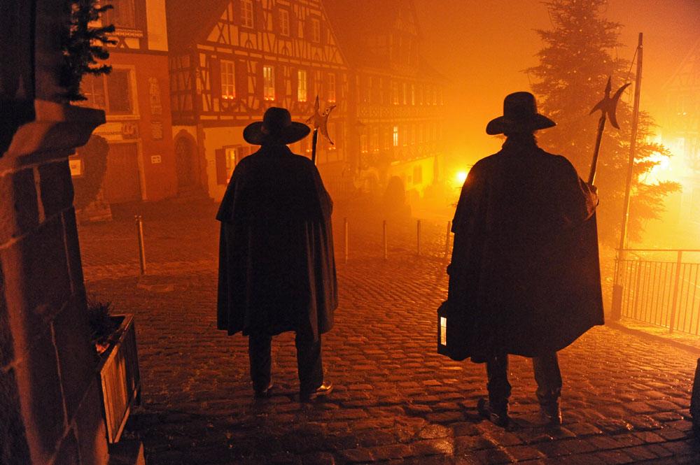 Die Nachtwächter machen sich auf den Weg