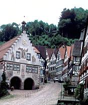 Marktplatz mit Blick auf den Schloßberg