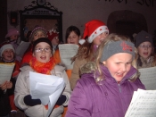 Kinder singen auf dem Schiltacher Advent