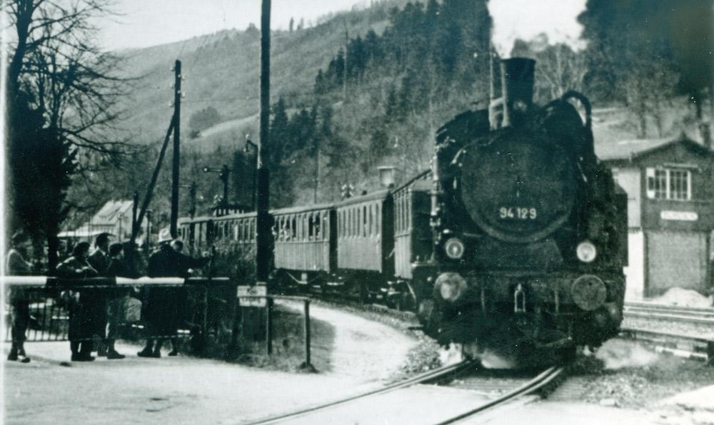 Personenzug-nach-Schramberg