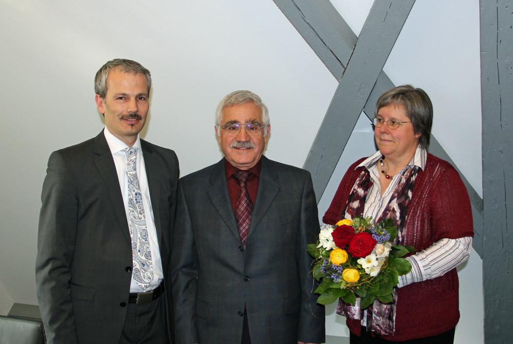 von links: Bürgermeister Thomas Haas, Gerhard Daniels und Ulrike Daniels