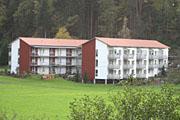 Zwei Wohngebäude der Seniorenwohnanlage