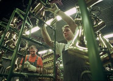 Produktion im Werk West der Firma Hansgrohe