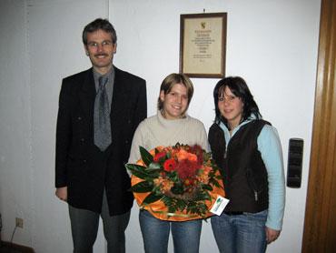 Bürgermeister Haas, Annika Starke und Carmen Stegerer