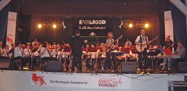 Eventkonzert mit Stadtkapelle und ANBLAGGD