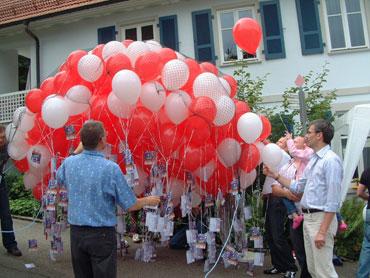 Luftballons werden gestartet