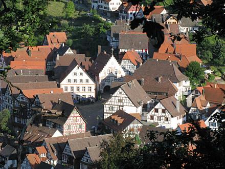 Blick auf den Ortskern von Schiltach