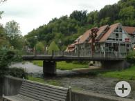 Blick auf die Häberlesbrücke die über die Kinzig führt