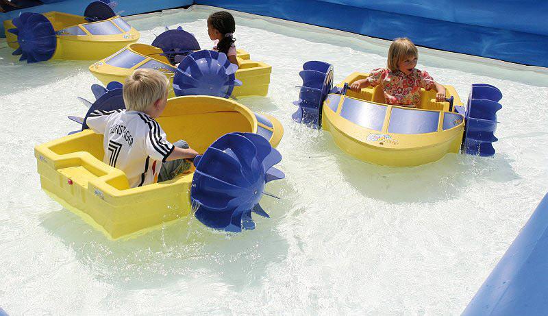paddelnde Kinder