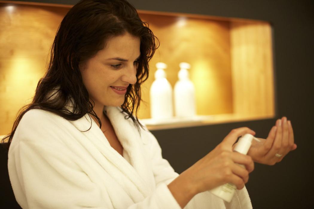 Gute Laune macht nicht nur das Duschvergnügen XXL in der Hansgrohe Showerworld. Ein umfangreiches Relax-Programm steht bei den Winter-Wohlfühltagen für Frauen in der Hansgrohe Aquademie am 24. November und 2. Dezember 2012 auf dem Programm.