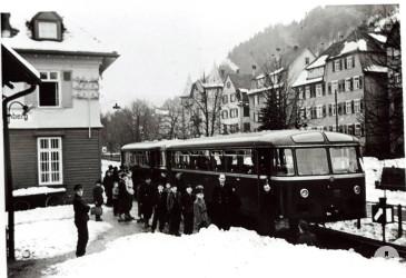 Schienenbus-in-Schramberg